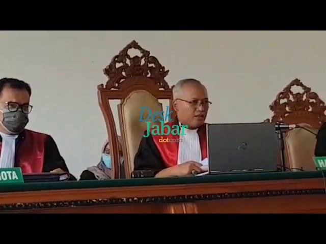 Kadar Selamat Geleng Geleng Kepala Saat Vonis Hakim Naik dan Ganti Rugi Negara Naik Fantastis