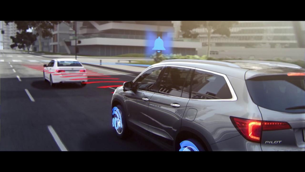 Honda Pilot 2017_Collision Mitigation Braking System™ CMBS®1