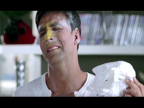 Akshay Kumar and his friends cannot handle a kid | Heyy Babyy