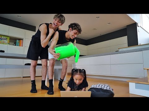 SLIME PRANK ON LITTLE SISTER!