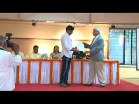 Pune artists receiving awards - 2