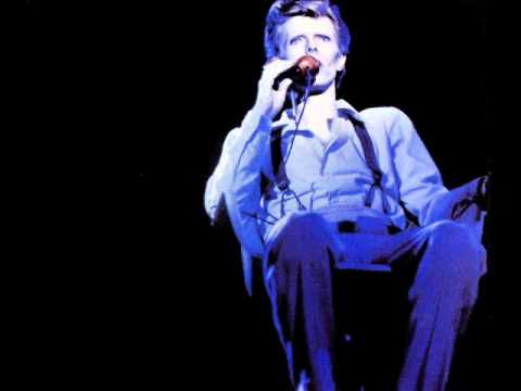 David Bowie. 06. Love Me Do. The Jean Genie. (Boston. 1974).wmv