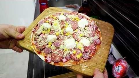 10 DAKİKADA MUHTEŞEM PİZZA (Kolay Pizza Nasıl Yapılır?)(Dürüm Pizza Tarifi)(Lavaş Pizza Tarifi)