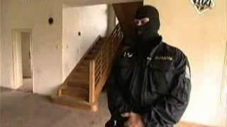 112 - Zásahová jednotka ve feťáckém doupěti