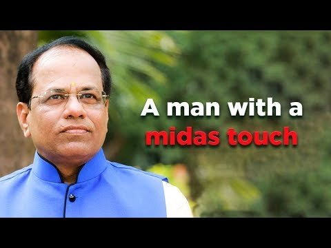 Dr. Shri Chandrashekar Guruji - A Man with a Midas Touch | Call +91 9335456002 | Saral Vaastu
