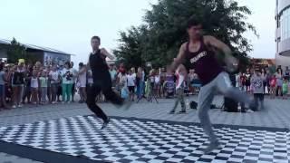 Анапа - 2016. Танцы на улице.(, 2016-09-03T16:37:01.000Z)