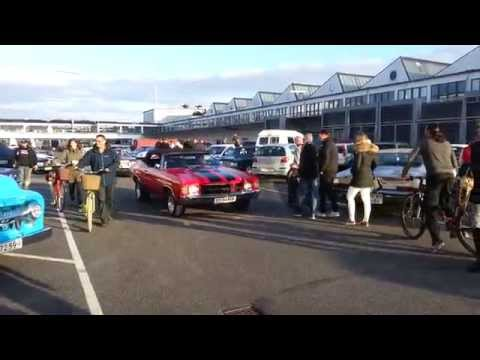 Classic Cars leaving War Pigs parking in Copenhagen 2/9
