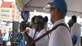 Dina Baro- RIncon Boyz @ Dia di bandera 2-7-09