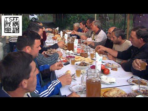 格鲁吉亚美食煮包子加葡萄酒及南高加索生活