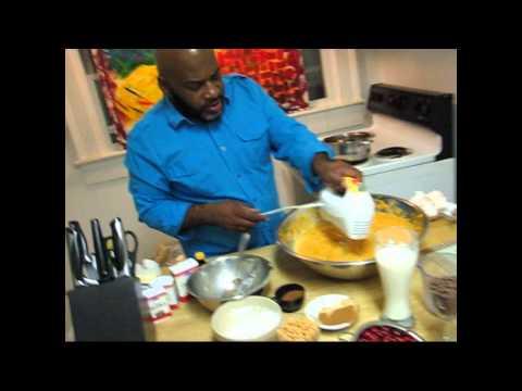 "Elbow's 'cookin in da hood' show 3 ""sweet potato pie"""