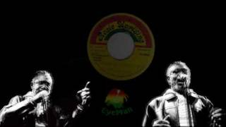 Horace Andy - Trying to Conquer Me