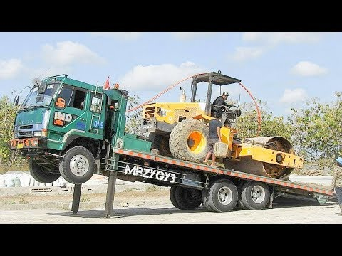 Heavy Equipment Fuso Self Loader Truck Trip Moving Compactor