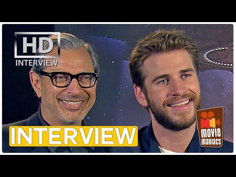 Independence Day 2 | Liam Hemsworth, Jeff Goldblum & Roland Emmerich Interview