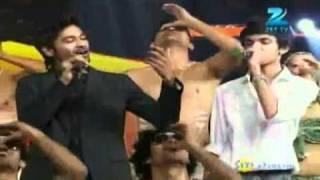 Dhanush & Anirudh Live at Star Ya Rockstar