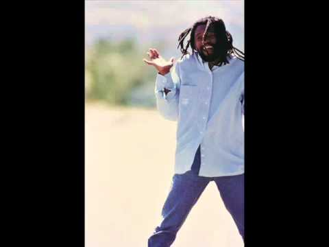 Lucky Dube - Love Me (The Way I Am) (lyrics)