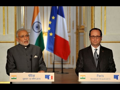 PM Modi with France President Hollande at the Press Statement