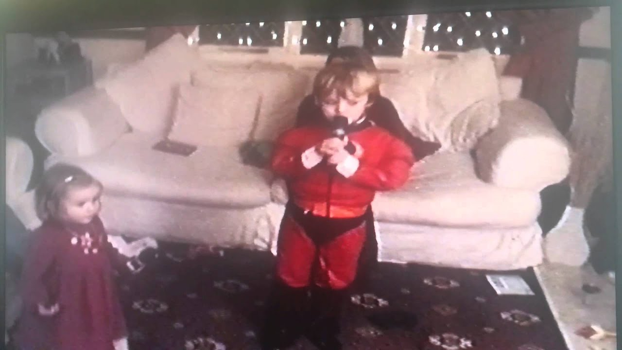 Reece singing at 5 years old