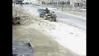 Luckiest Failure!--Luckiest Chinese Farmers and Drunk Tractor.Flv