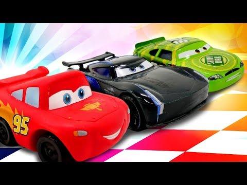 Lightning McQueen Und Spielzeugautos Von Cars 3. Videos Für Kinder