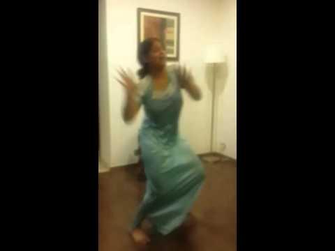 Lady dance in maxi