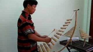 Bai ca anh hung Nup - played on medium T'rung by Le Thai Son