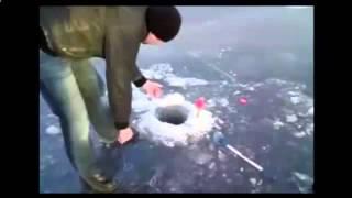 Зима 2015 приколы на рыбалке. Смеяться могут не только рыбаки.(На рыбалке много говорить не надо, а то вся рыба прямо из садка выпрыгнуть может, когда много выпьешь на..., 2014-11-25T13:51:11.000Z)