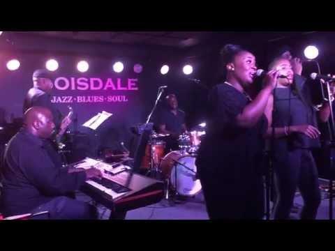 "Wayne Hernandez & band live at Boisdale...""Lovely Day"" (Cover)"