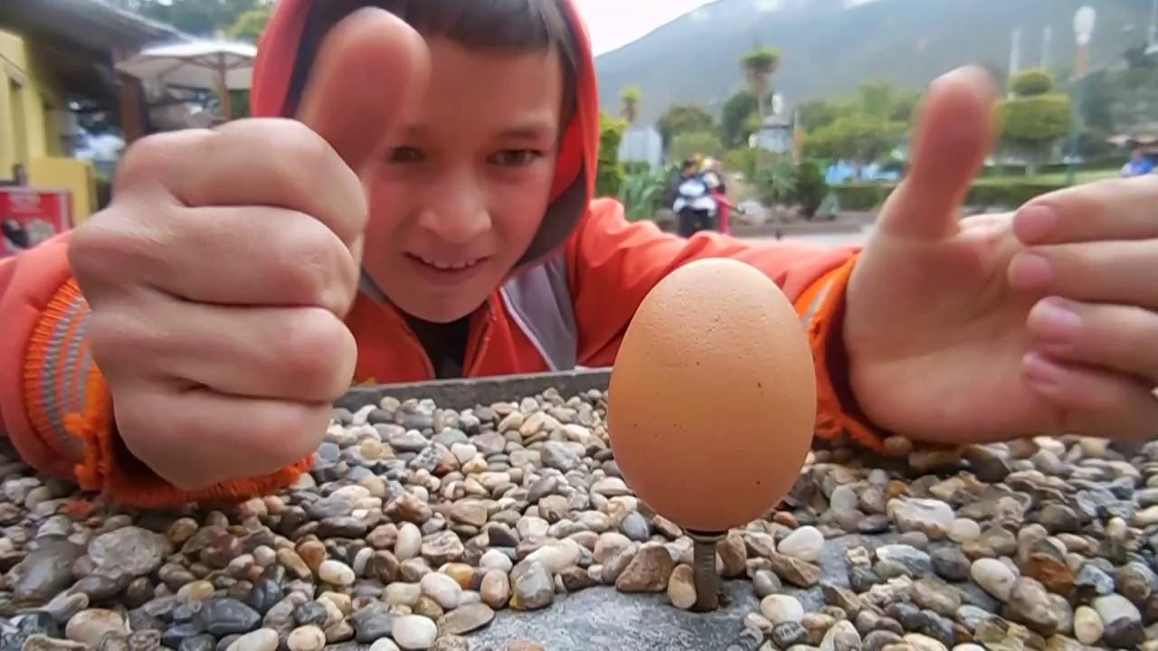 La Mitad del Mundo 'prueba del huevo'