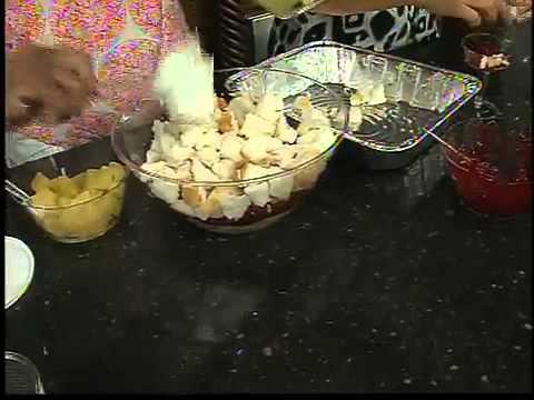 ABC15's Susan Casper makes a punch bowl cake part 2