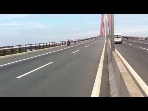 Moto VIET NAM trên cầu cần thơ part2