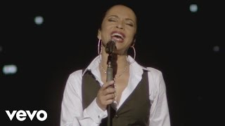 Sade - Smooth Operator (Live 2011)