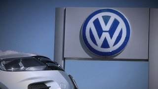 VW emissions scandal involved top execs, lawsuits claim