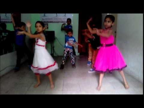 Zoobi Doobi Dance Performance