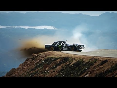 INCREDIBLE DRIFTING. 10 MOST AMAZING SPORTS CARS
