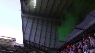 Fc Twente - Fc Dordrecht opkomst speler met rook en vuurwerk van Dordrecht supporters