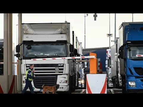 شاهد:استعداداتٌ فرنسية في النفق الأوروبي لمواجهة تداعيات -بريكست-…  - نشر قبل 21 دقيقة