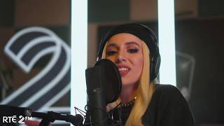 Ava Max - Sweet but Psycho Live in Studio 8