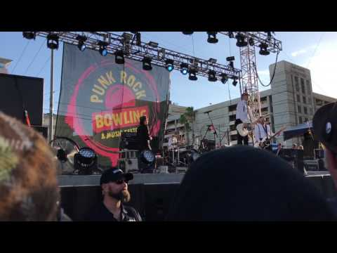 The Interrupters: On A Turntable (Live)...