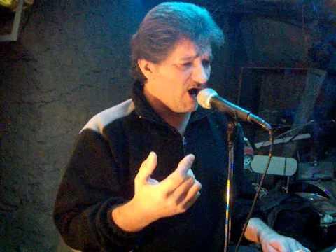 Thierry chante la maison sur le port amalia rodrigues - Amalia rodrigues la maison sur le port ...