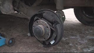 замена  задних тормозных колодок на ВАЗ-2110