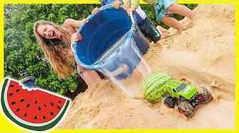 New Axel Show Monster Trucks At The Beach Youtube