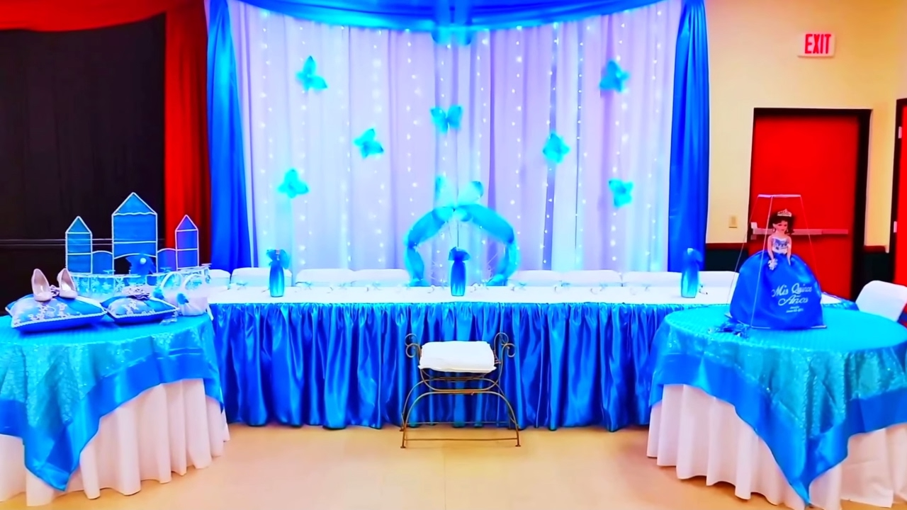 Decoracion de 15 a os color turquesa con teatro youtube for Adornos de quince anos