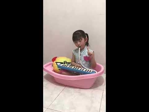Ayo Mama Pianika-Lagu Anak Ayo Mama (Sinyo Hitam) Clara