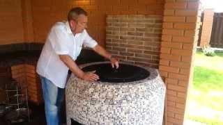 Беседка барбекю тандыр(http://www.saunakamin.com.ua/ - на видео идет рассказ специалиста про тандыр, как он работает и какие функции выполняет...., 2014-07-28T16:16:20.000Z)