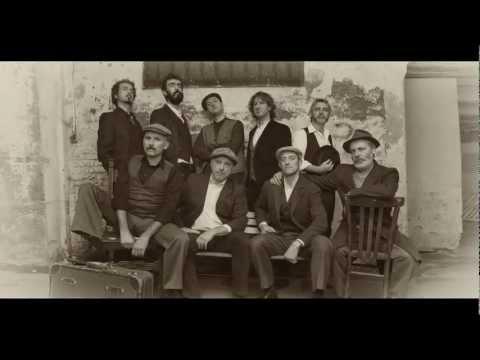 Orchestra Bailam e Compagnia di Canto Trallalero - GALATA (un piccolo assaggio)