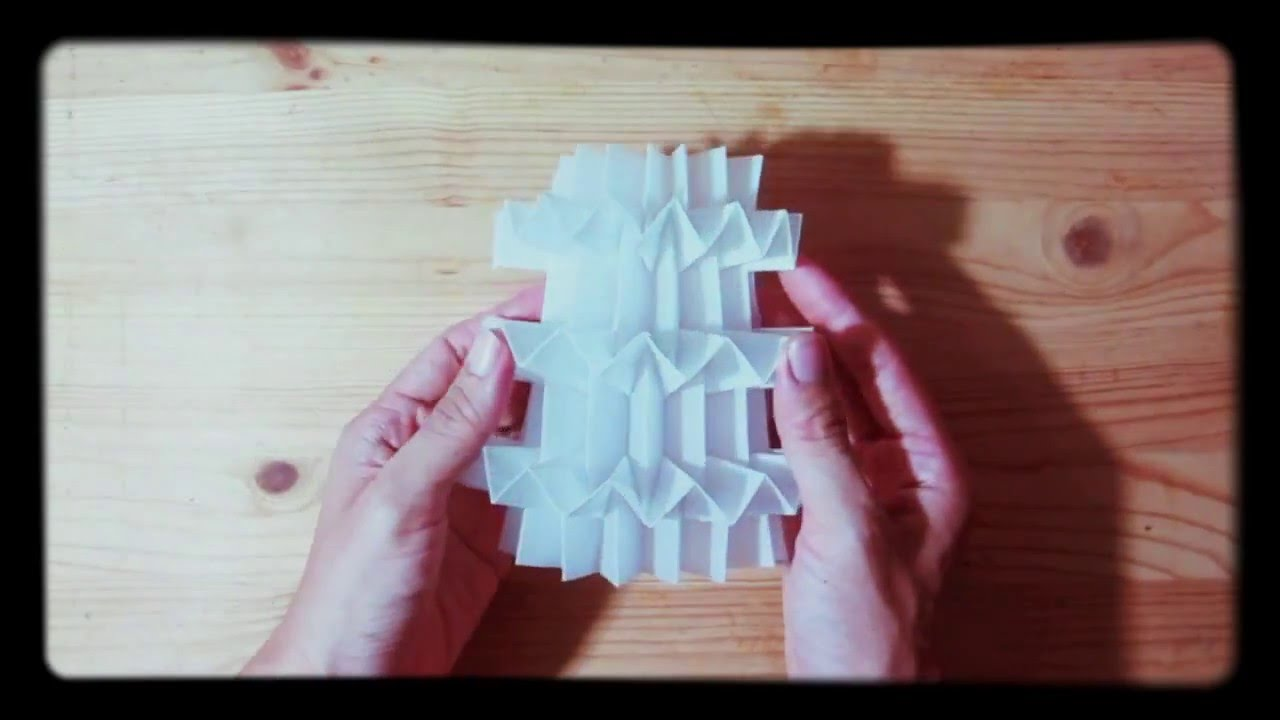 Paper folding complex v pleat youtube paper folding complex v pleat jeuxipadfo Image collections