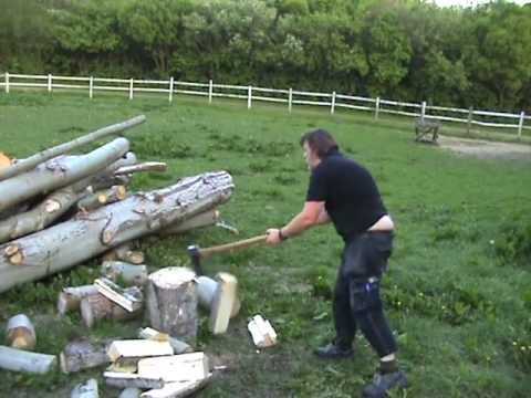 The axe is back project - Wetterlings splitting maul.MPG