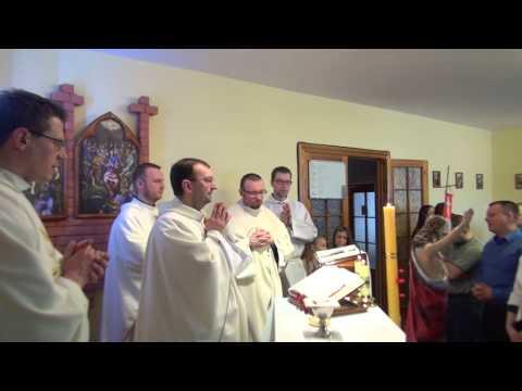 Święty podczas Eucharystii