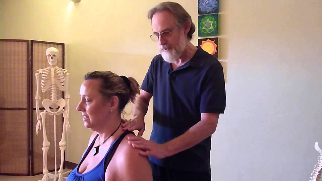 Loosening Up Your Tight Trapezius Muscle In Creative Ways Youtube