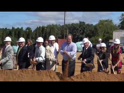 (4-of-4-videos)-all-the-officials-at-the-walmart-groundbreaking-in-egg-harbor-twp-shovel-the-dirt